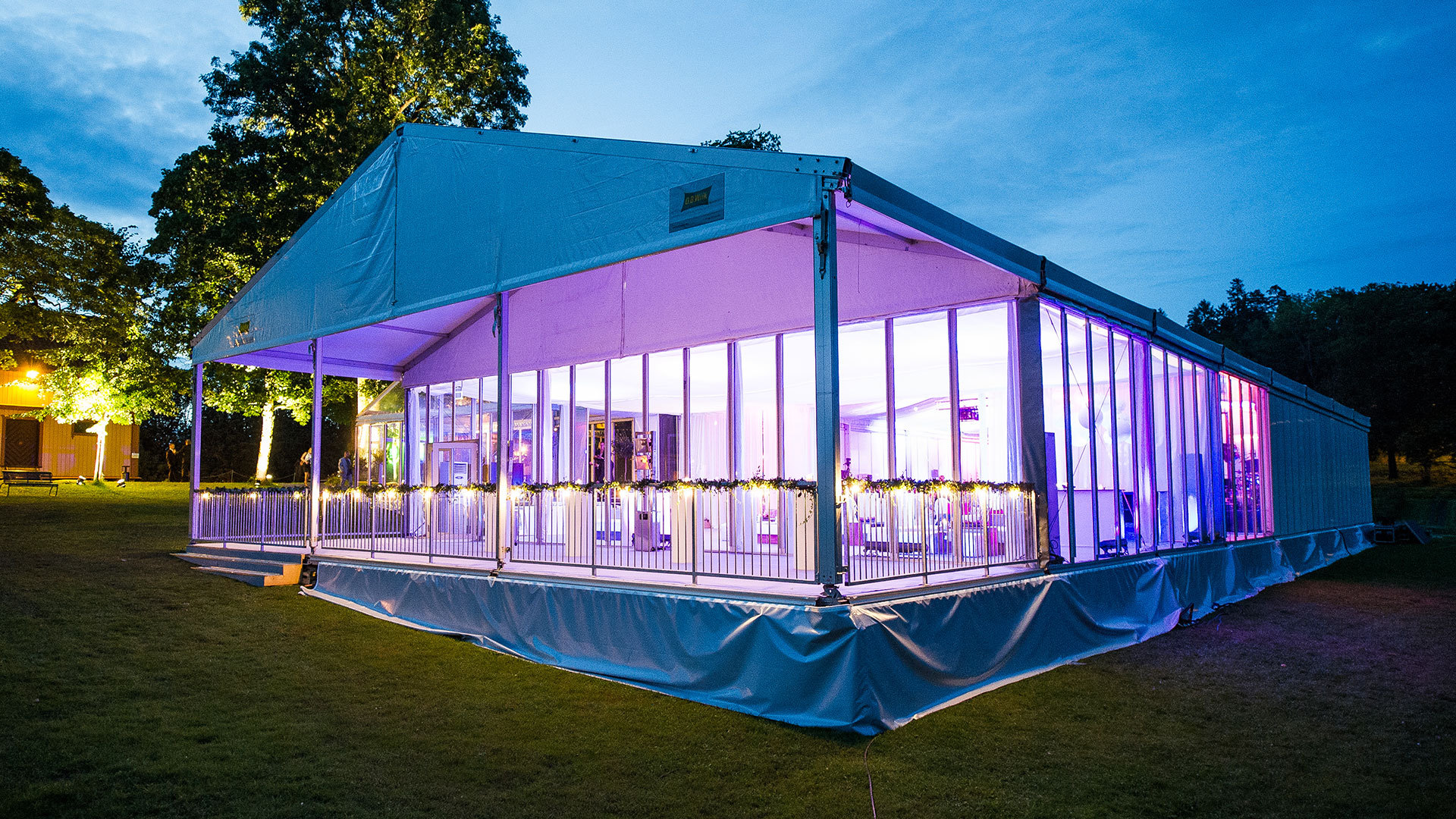 Large Commercial Tents: How to Clean Them